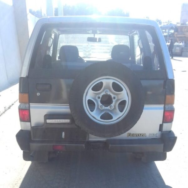 Faro anteriore Daihatsu Feroza 1990