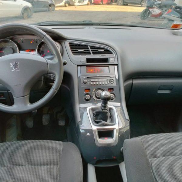 Faro posteriore Peugeot 5008 2010