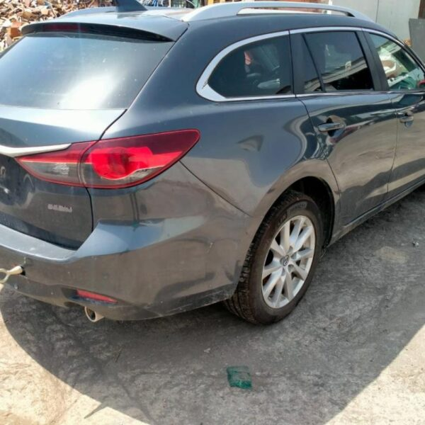 Mazda 6   Veicolo intero