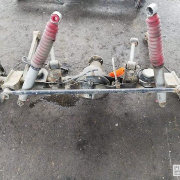 Assale / Ponte posteriore Nissan Terrano Z241
